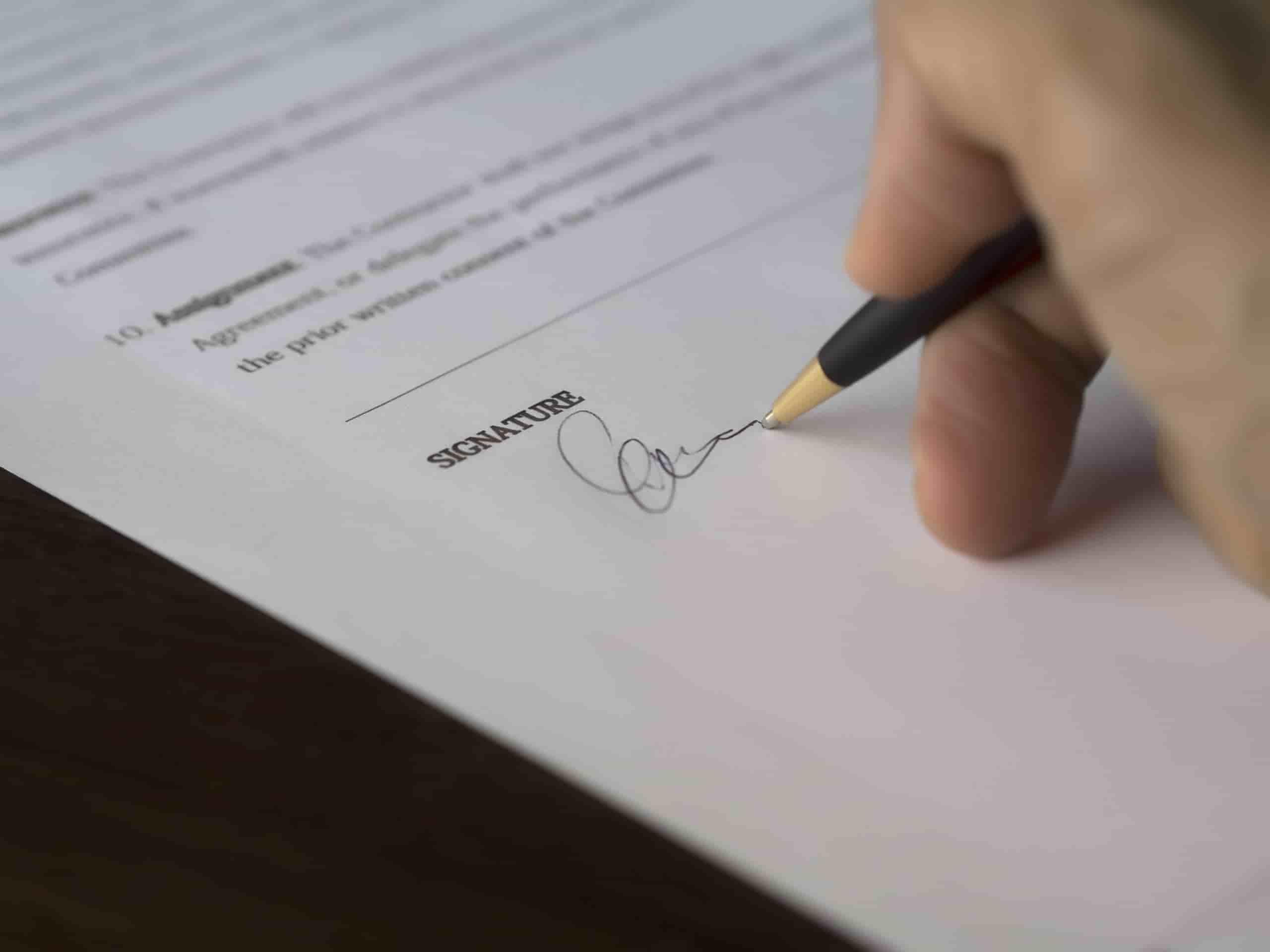 Dejar el Formulario de Inmigración en Blanco en una Solicitud de Visa